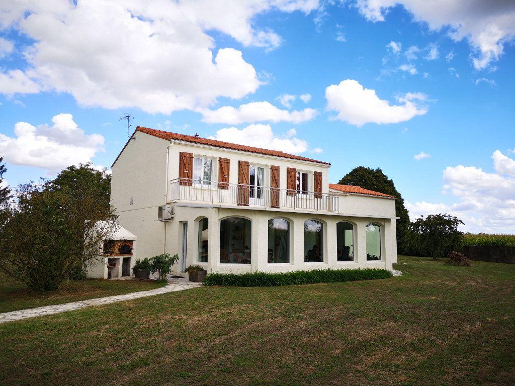 Maison à vendre 7 205m2 à Cabariot vignette-1