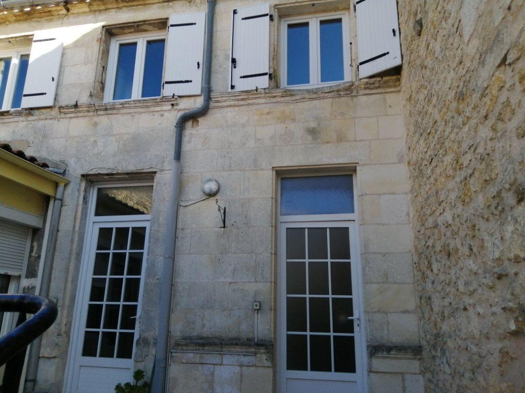 Appartement à louer 3 98m2 à Rochefort vignette-1