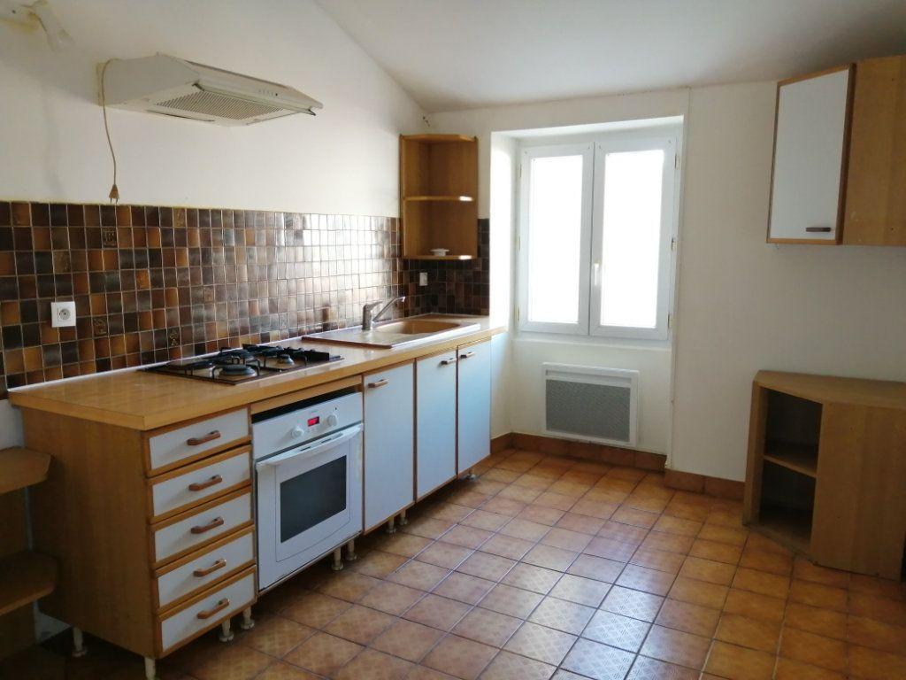 Appartement à louer 3 98m2 à Rochefort vignette-2