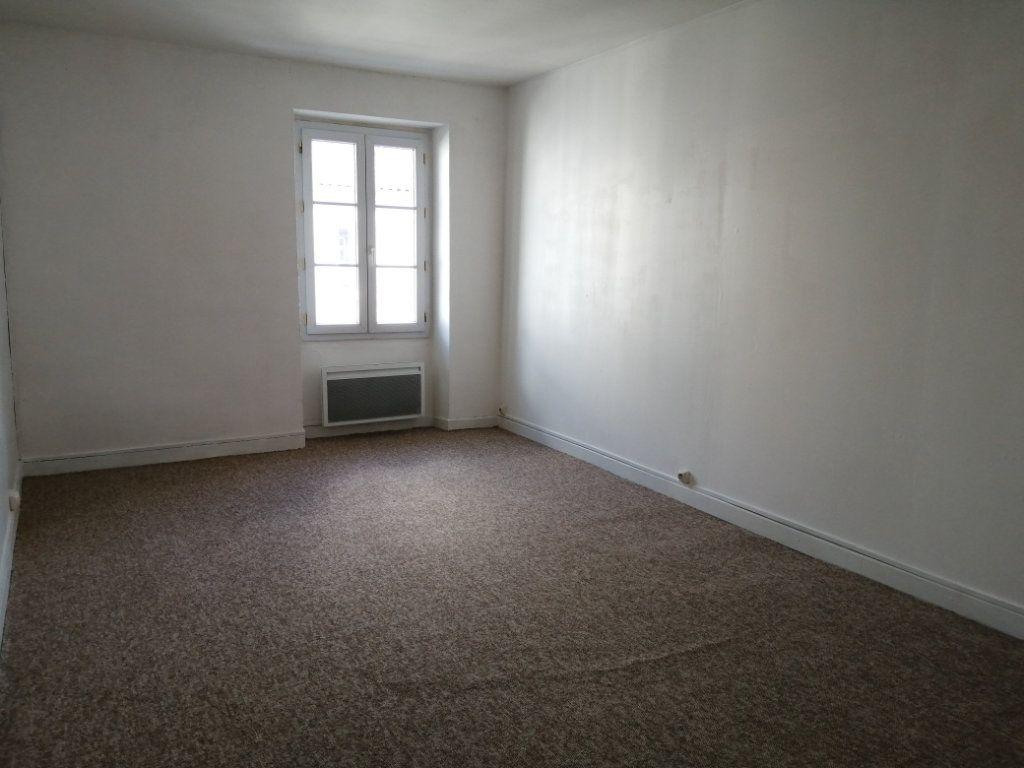 Appartement à louer 3 98m2 à Rochefort vignette-4