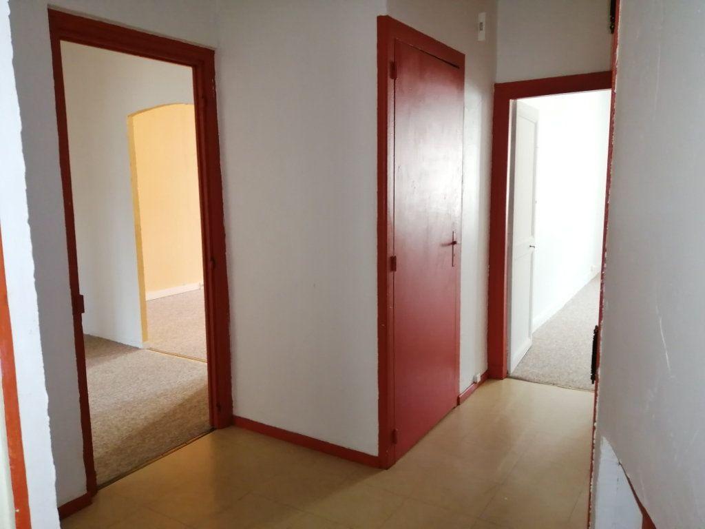 Appartement à louer 3 98m2 à Rochefort vignette-5