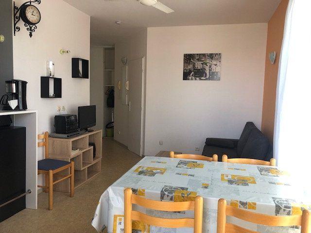 Appartement à vendre 2 30m2 à Rochefort vignette-1
