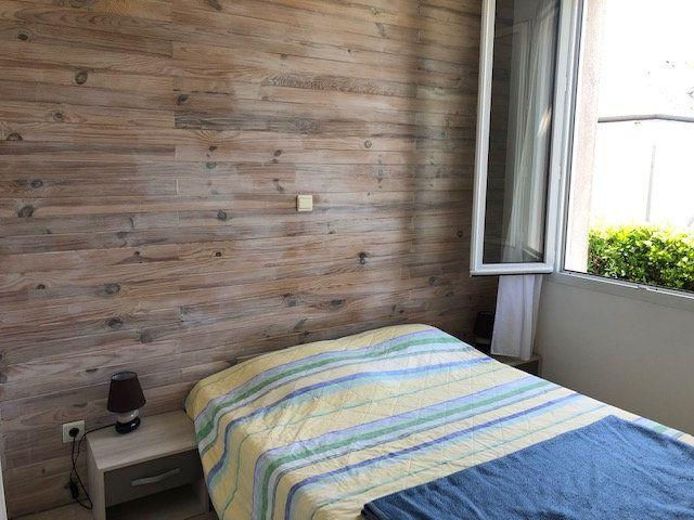 Appartement à vendre 2 30m2 à Rochefort vignette-2