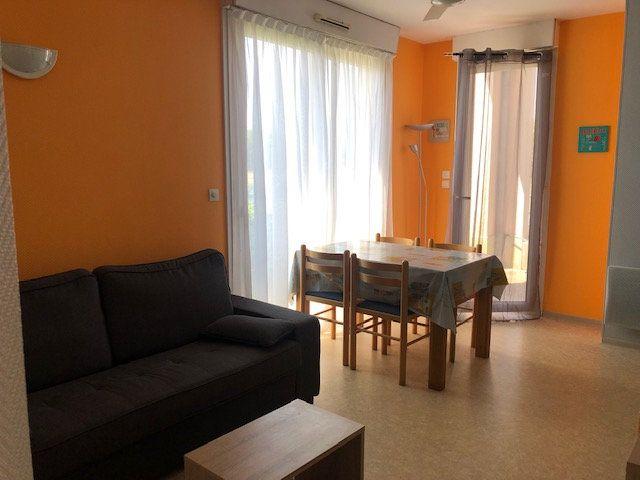 Appartement à vendre 2 30m2 à Rochefort vignette-4