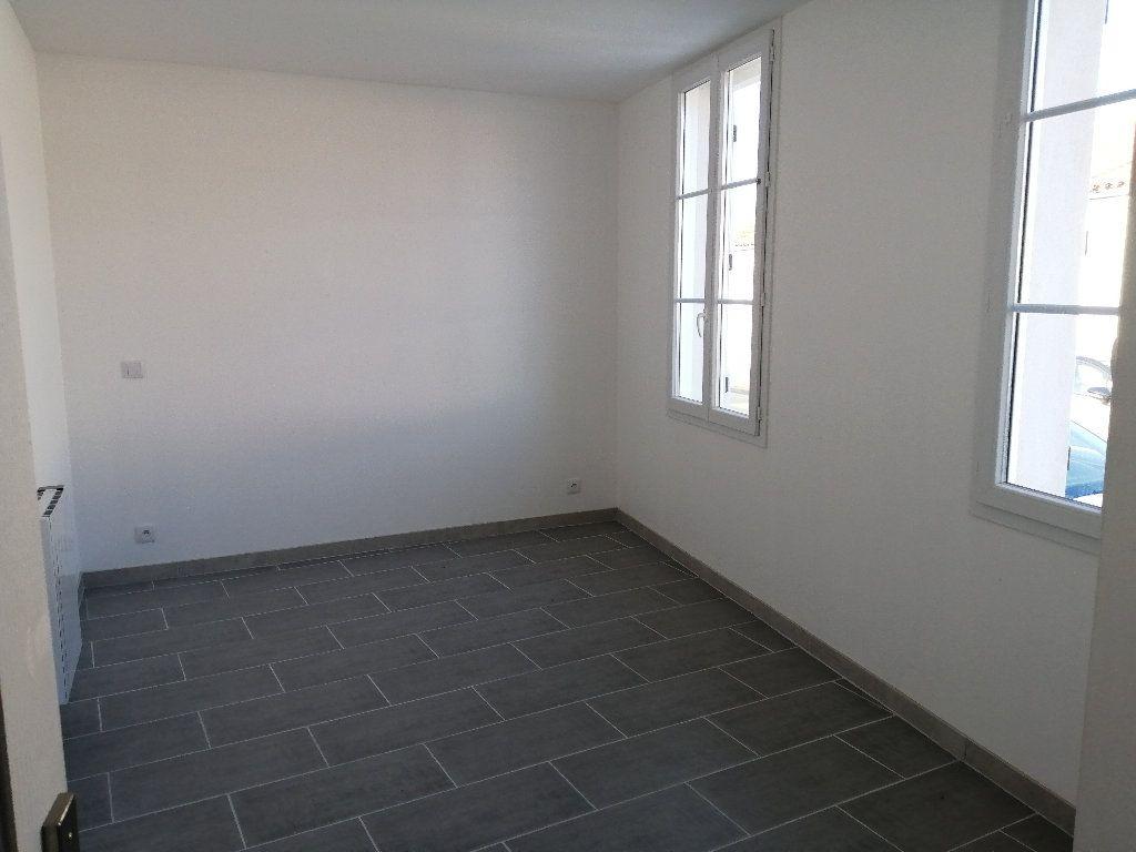 Maison à louer 3 70.7m2 à Rochefort vignette-4