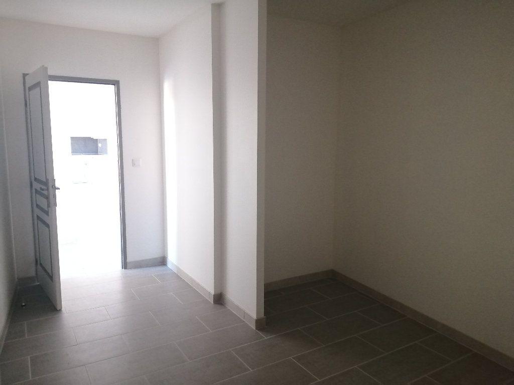 Maison à louer 3 70.7m2 à Rochefort vignette-5