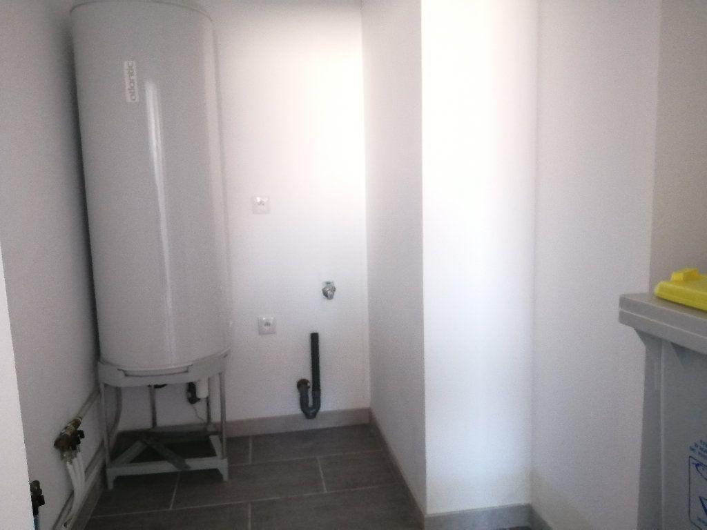 Maison à louer 3 70.7m2 à Rochefort vignette-7