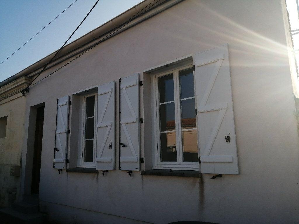 Maison à louer 3 70.7m2 à Rochefort vignette-8
