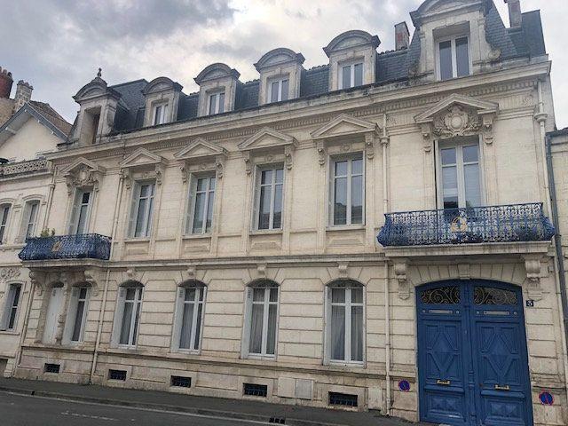 Appartement à vendre 5 159m2 à Rochefort vignette-2