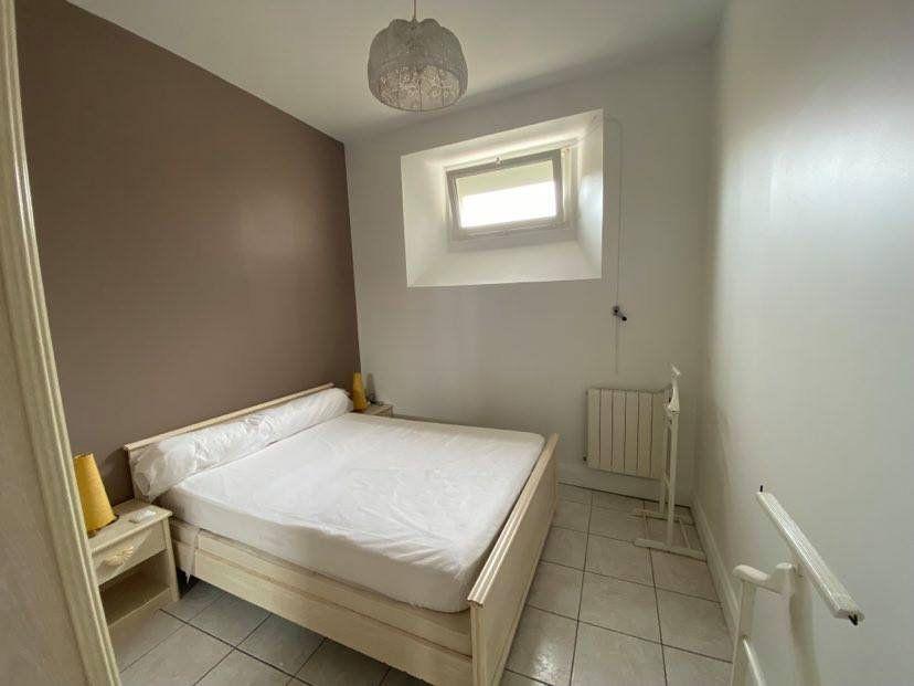Appartement à louer 2 40m2 à Rochefort vignette-2