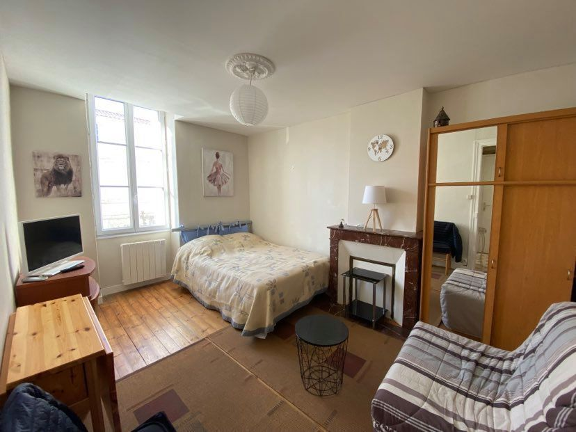 Appartement à louer 1 29.65m2 à Rochefort vignette-1