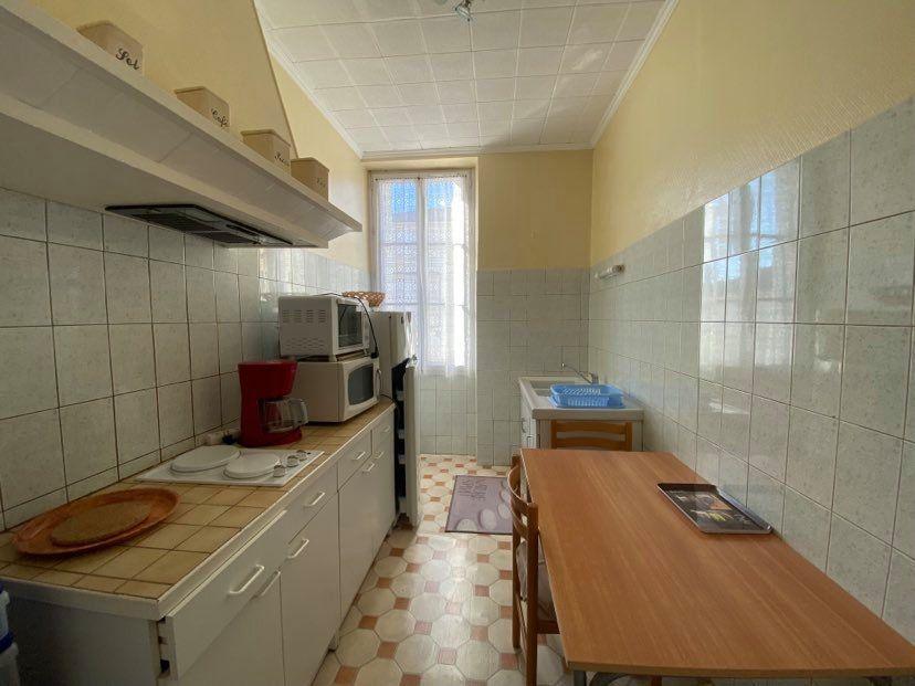 Appartement à louer 1 29.65m2 à Rochefort vignette-3