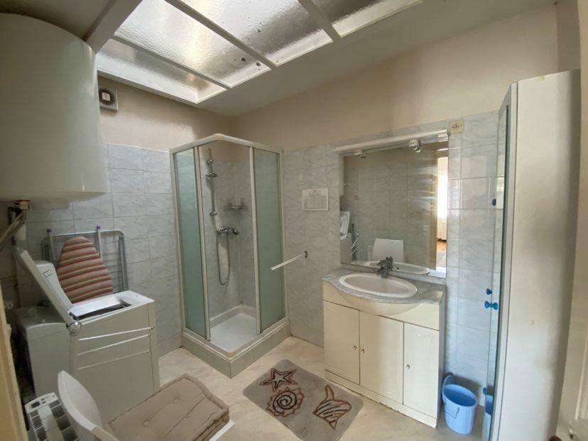 Appartement à louer 1 29.95m2 à Rochefort vignette-3