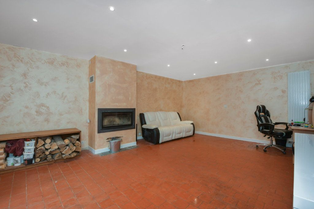 Maison à vendre 5 130m2 à Angerville vignette-5