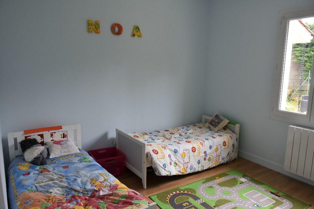Maison à louer 5 113m2 à Roaillan vignette-7