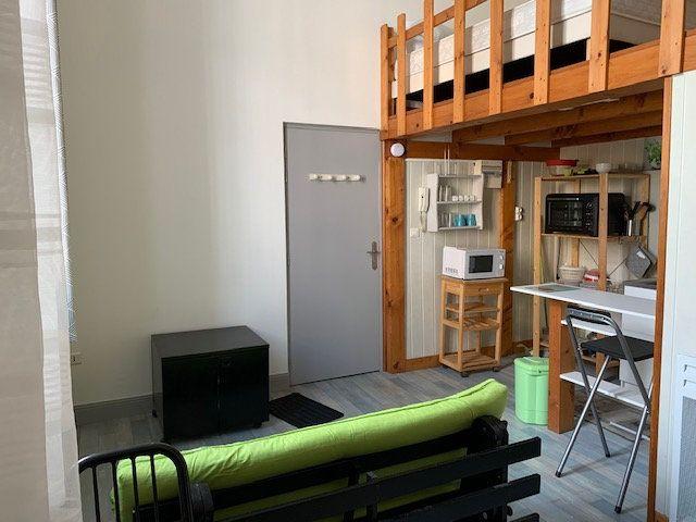 Appartement à louer 1 27m2 à Périgueux vignette-4