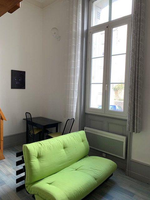 Appartement à louer 1 27m2 à Périgueux vignette-5
