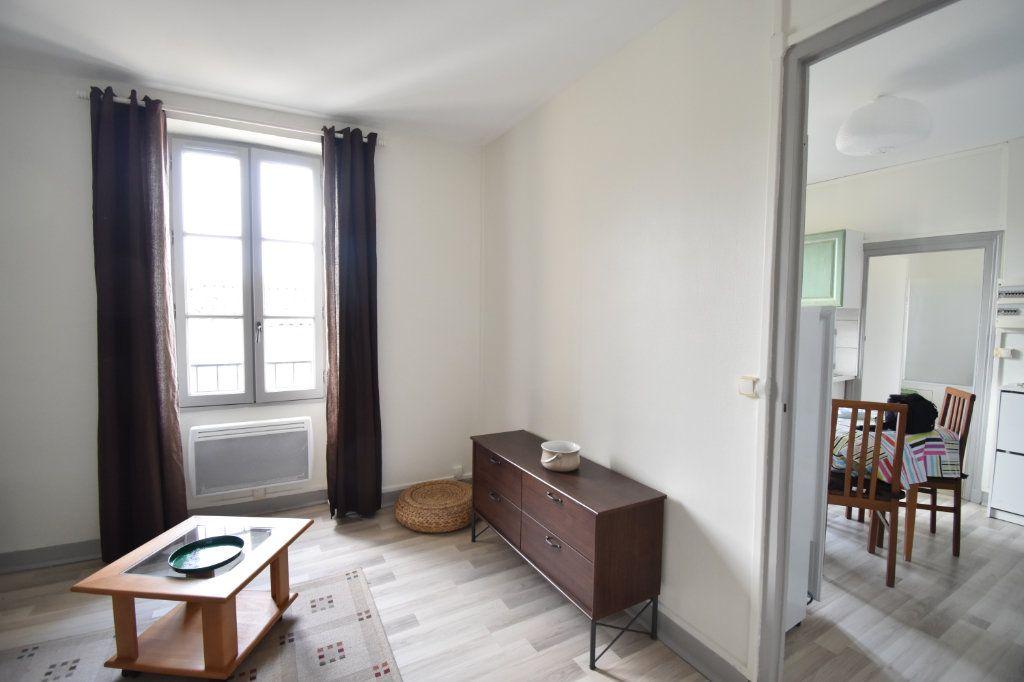 Appartement à louer 2 33m2 à Langon vignette-4