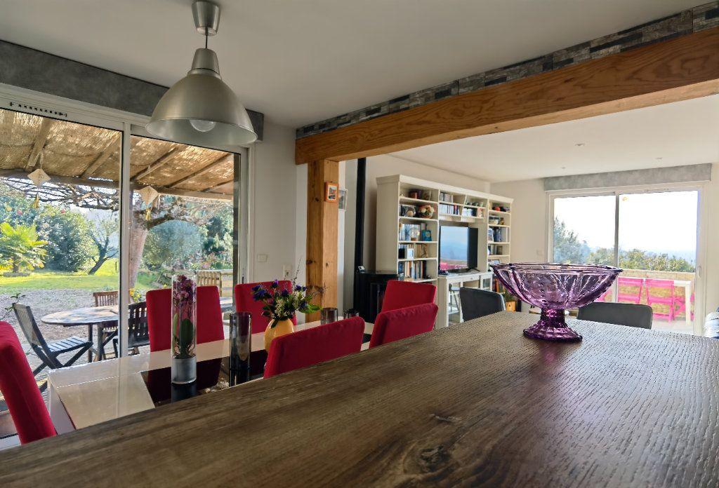 Maison à vendre 7 122m2 à Rions vignette-3