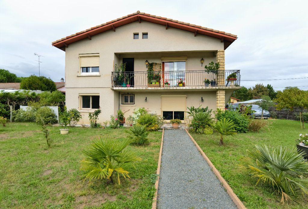 Maison à vendre 6 138.52m2 à Saint-Symphorien vignette-1