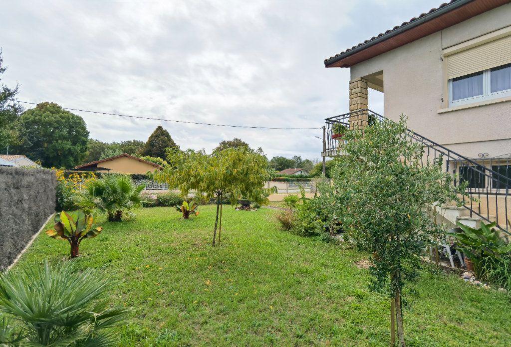 Maison à vendre 6 138.52m2 à Saint-Symphorien vignette-2