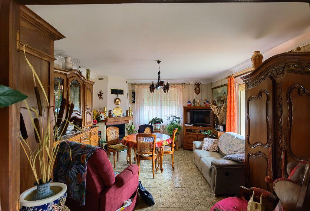 Maison à vendre 6 138.52m2 à Saint-Symphorien vignette-4