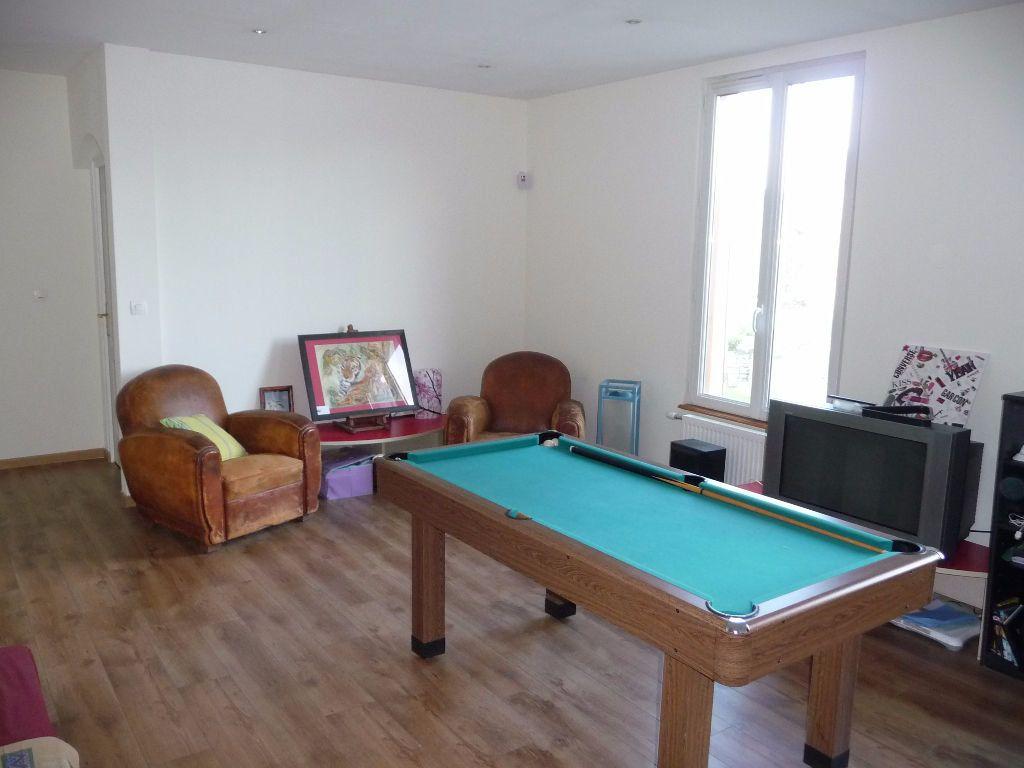Maison à vendre 10 300m2 à Les Hauts-de-Chée vignette-2