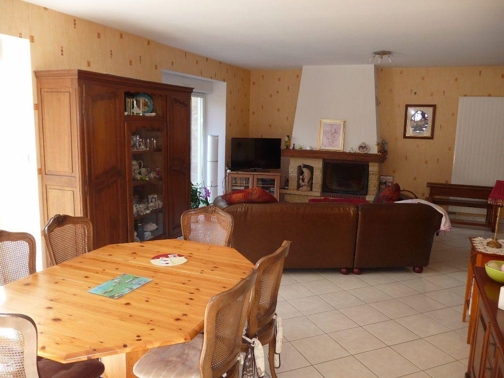 Maison à vendre 10 300m2 à Les Hauts-de-Chée vignette-4