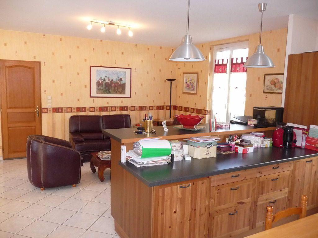 Maison à vendre 10 300m2 à Les Hauts-de-Chée vignette-5