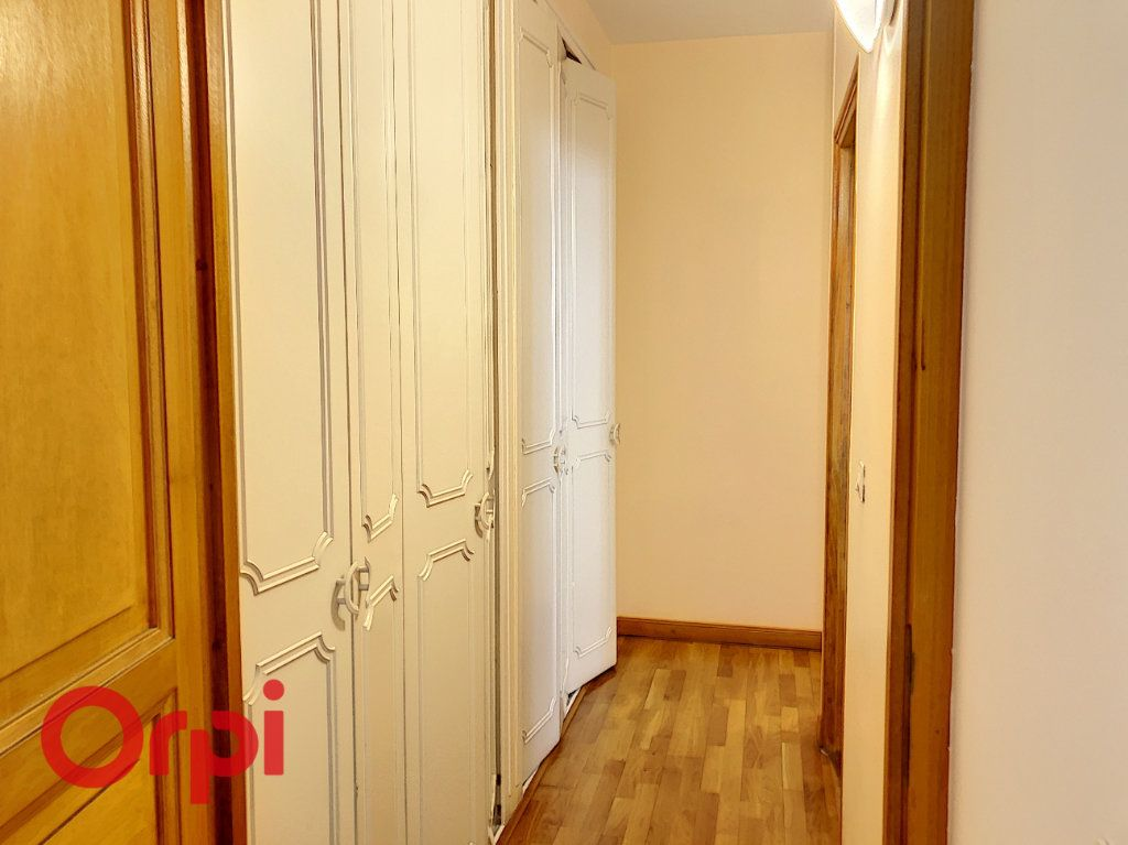 Appartement à louer 5 98m2 à Bar-le-Duc vignette-5