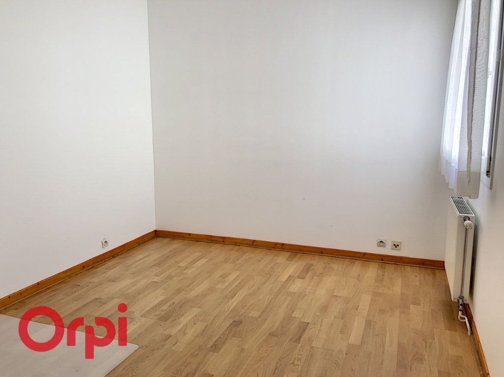 Appartement à louer 5 98m2 à Bar-le-Duc vignette-7