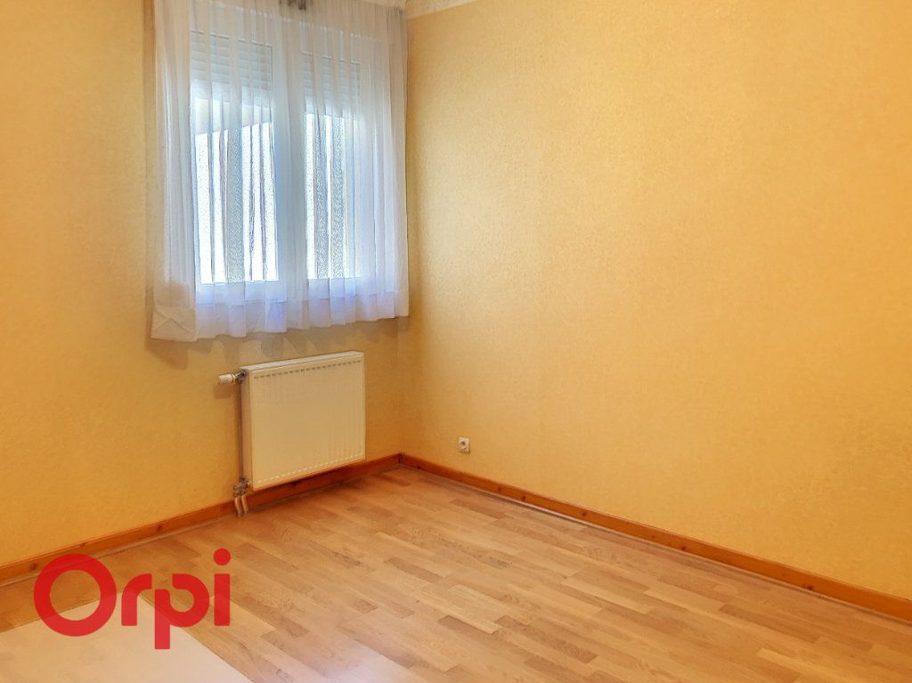 Appartement à louer 5 98m2 à Bar-le-Duc vignette-10