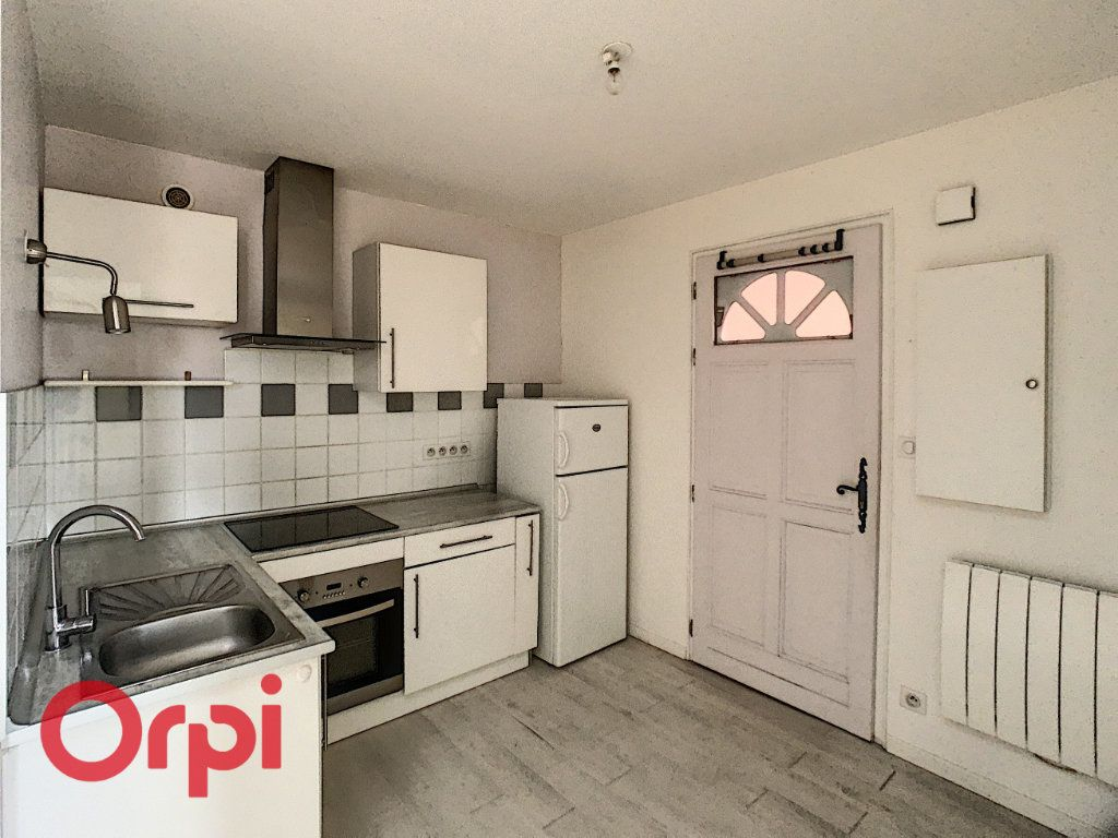 Appartement à louer 3 53m2 à Bar-le-Duc vignette-1
