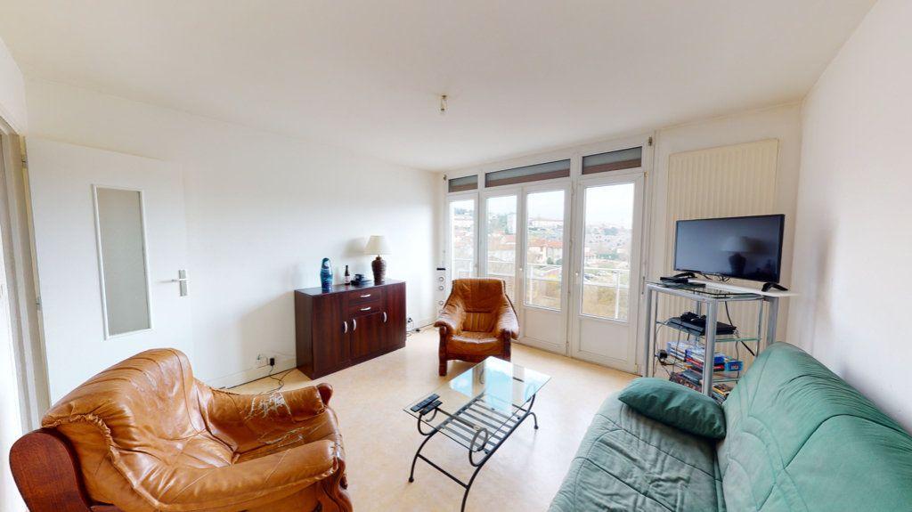Appartement à louer 3 55m2 à Bar-le-Duc vignette-1