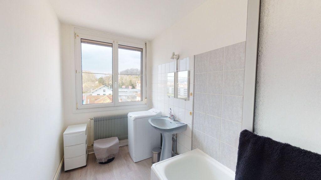 Appartement à louer 3 55m2 à Bar-le-Duc vignette-3