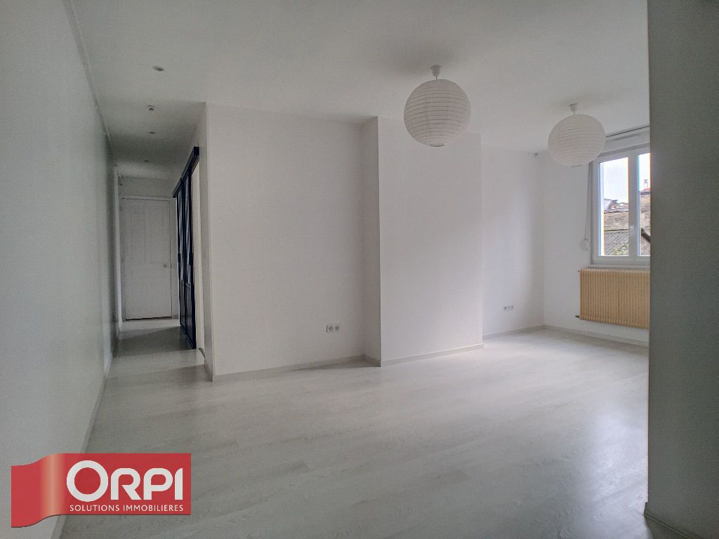 Appartement à louer 2 62m2 à Bar-le-Duc vignette-1