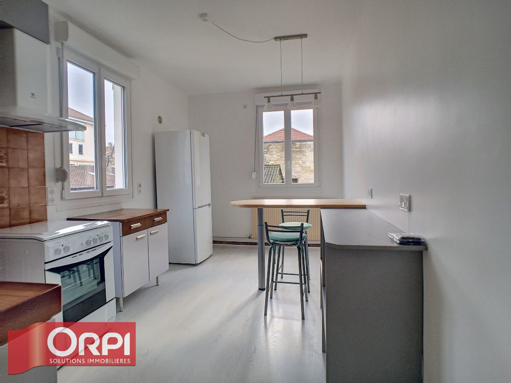 Appartement à louer 2 62m2 à Bar-le-Duc vignette-2