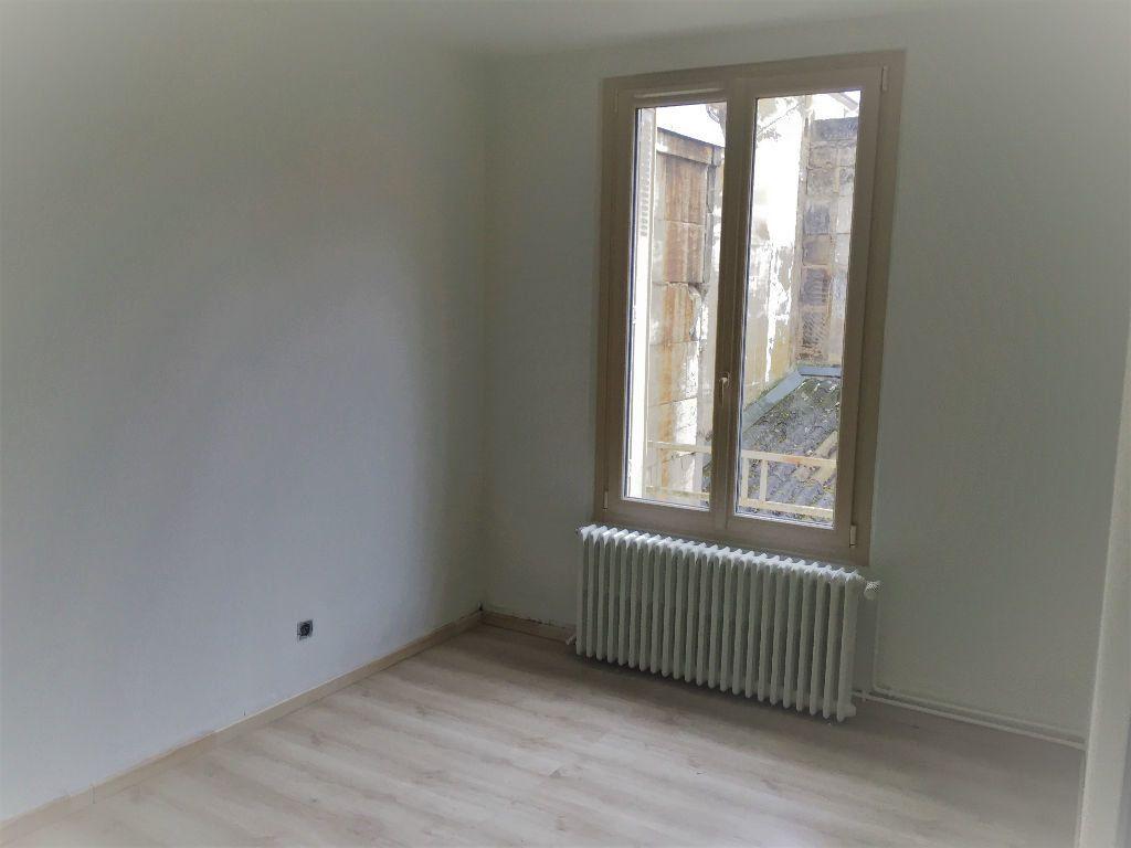 Appartement à louer 3 82m2 à Bar-le-Duc vignette-4