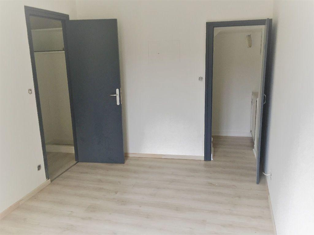 Appartement à louer 3 82m2 à Bar-le-Duc vignette-5
