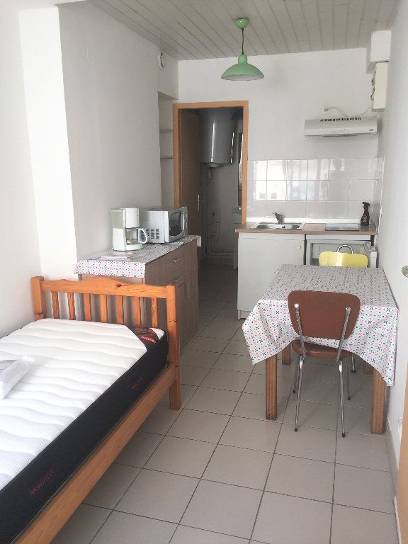 Appartement à louer 1 15m2 à Bar-le-Duc vignette-2