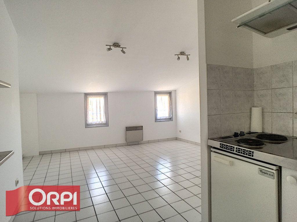 Appartement à louer 2 31.1m2 à Bar-le-Duc vignette-1