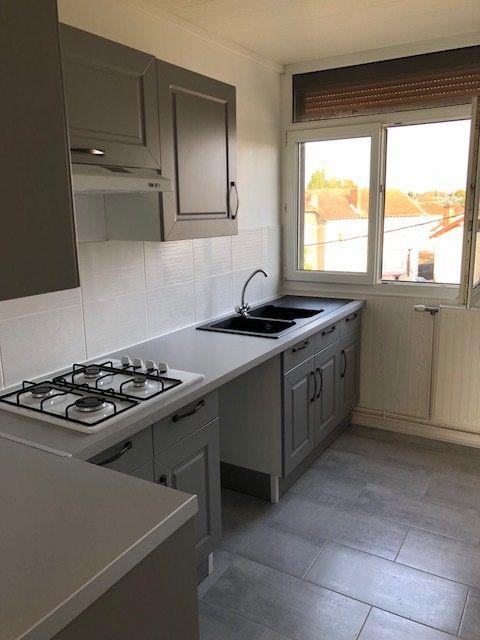 Appartement à louer 4 57.41m2 à Revigny-sur-Ornain vignette-1
