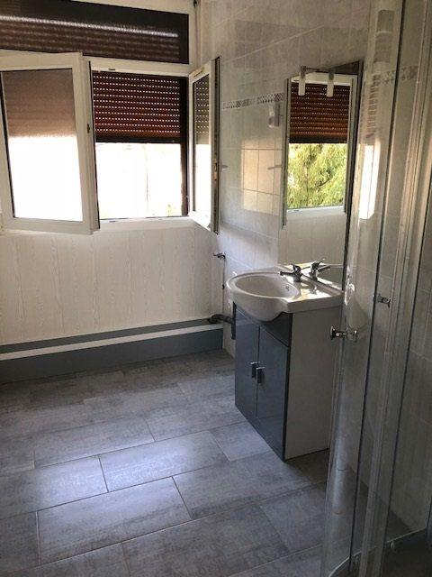 Appartement à louer 4 57.41m2 à Revigny-sur-Ornain vignette-4