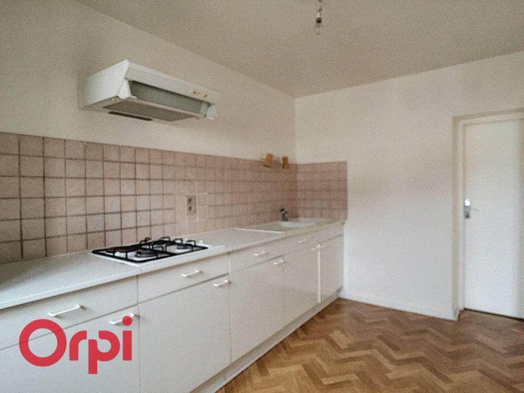 Appartement à louer 3 68m2 à Saint-Dizier vignette-2