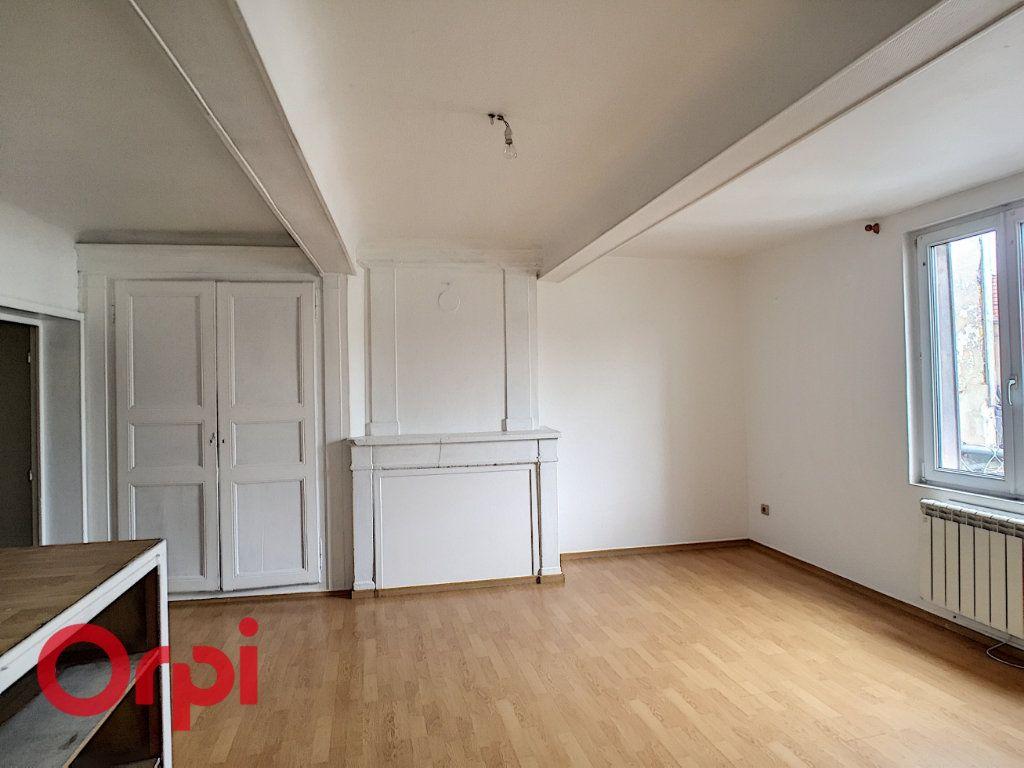 Appartement à louer 3 68m2 à Saint-Dizier vignette-3