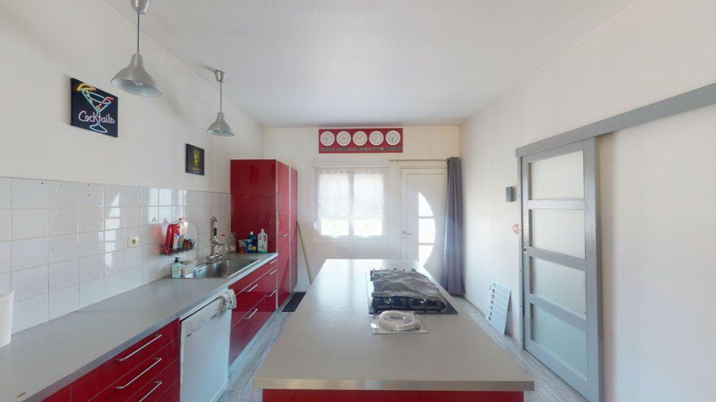 Maison à vendre 8 215m2 à Velaines vignette-4