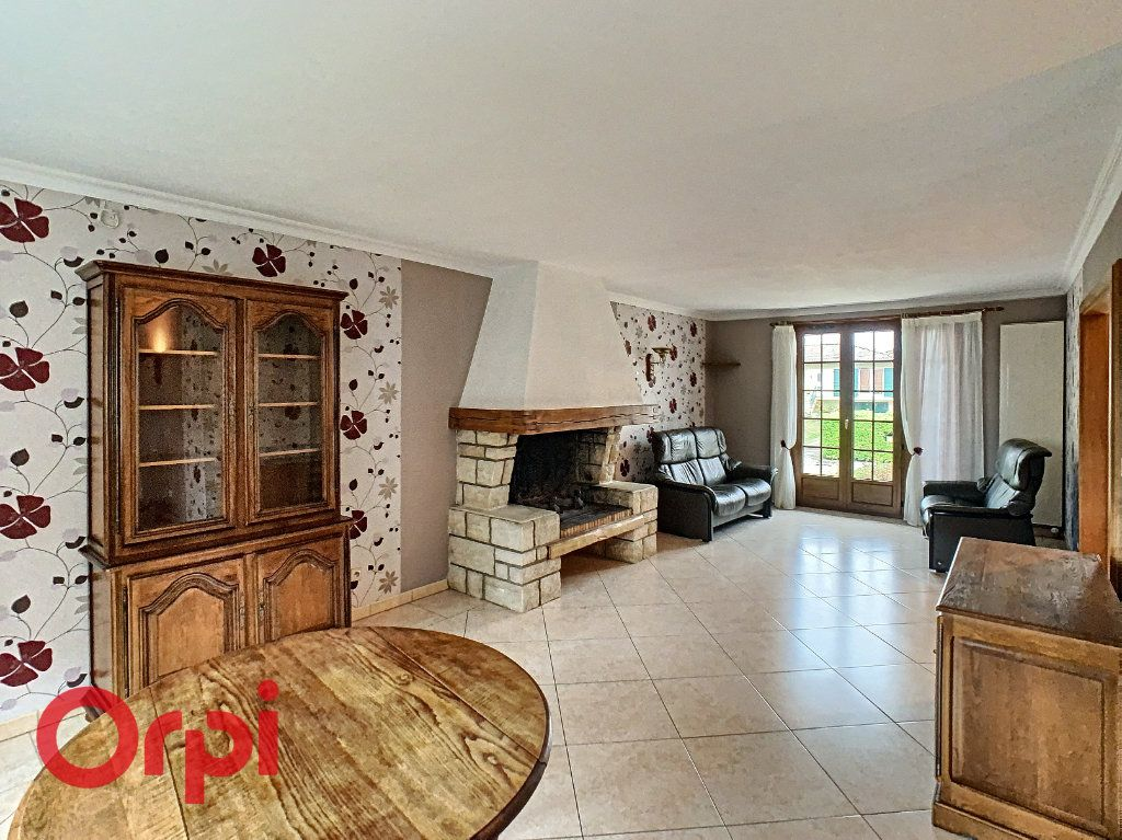 Maison à louer 5 108m2 à Behonne vignette-3