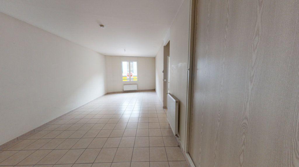 Appartement à louer 3 61m2 à Bar-le-Duc vignette-2