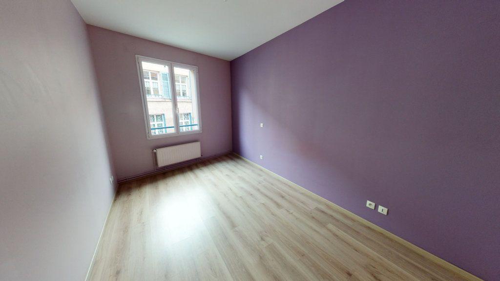 Appartement à louer 3 61m2 à Bar-le-Duc vignette-3