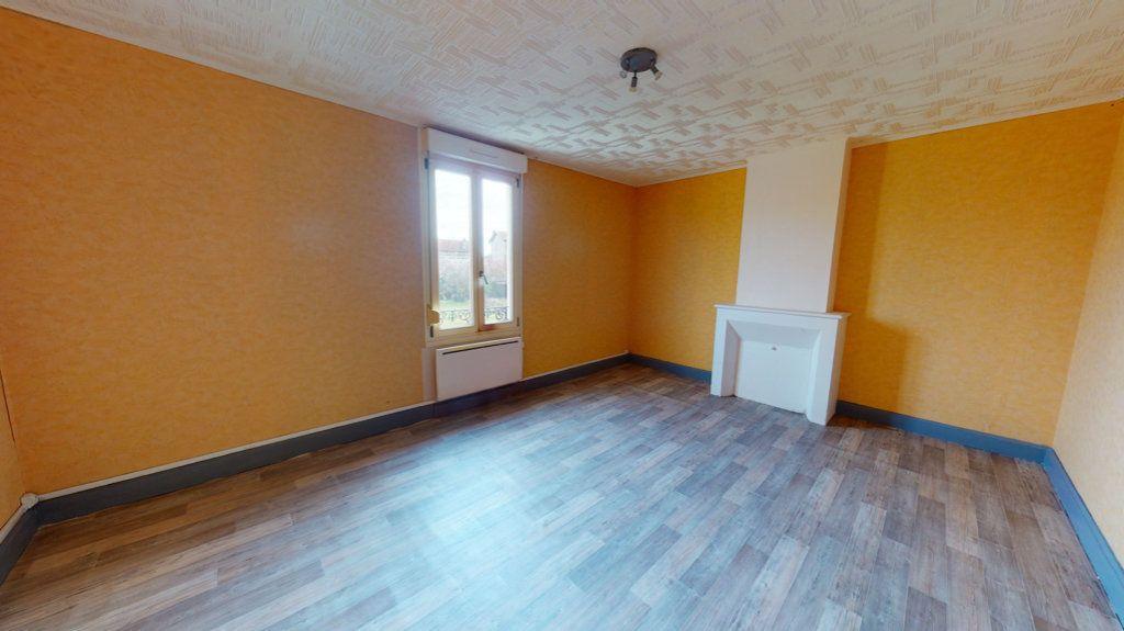 Appartement à louer 4 65.2m2 à Revigny-sur-Ornain vignette-1